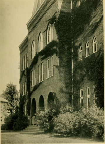 Old Main in 1925