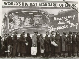 1418932310b-w_living-1937-bread-lind-during-louisville-flood