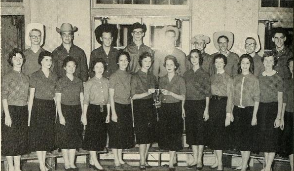 The sophomore class of 1959 receives a division award for their Step Sing performance on Vail steps.
